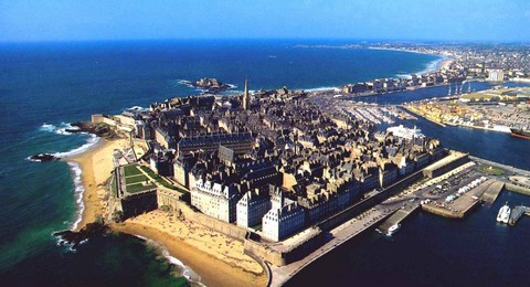 saint malo prachtige badstad in bretagne. Black Bedroom Furniture Sets. Home Design Ideas